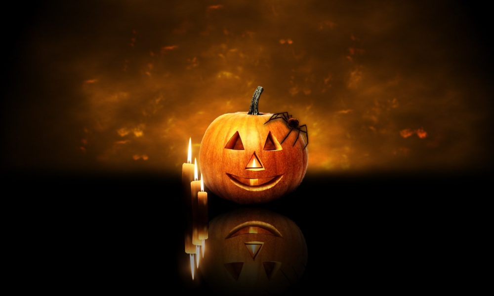 Download Wallpaper Halloween Pumpkin Spider Candles 13